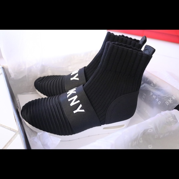 4e24e4cd285 Dkny Shoes - New DKNY Anna Wedge